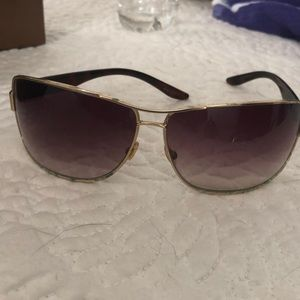 Gucci sunglasses original box & cleaning cloth